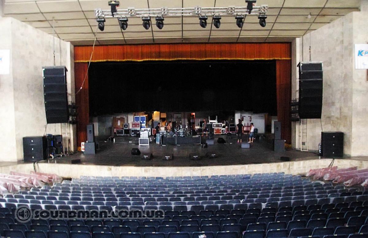 """Концертный зал """"Юбилейный"""", Ялта. Лин. массив EV + Martin Audio"""