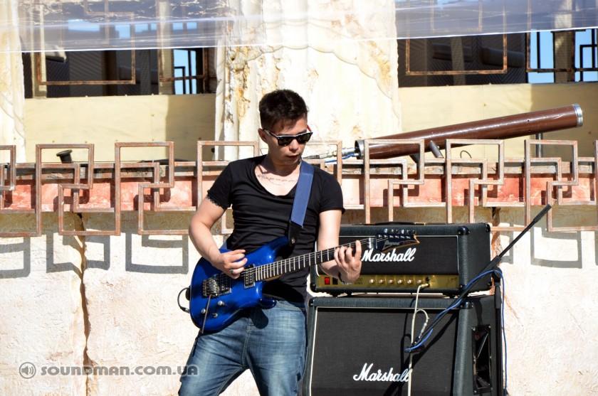 Итака, Саундчек. Гитарист Димас.