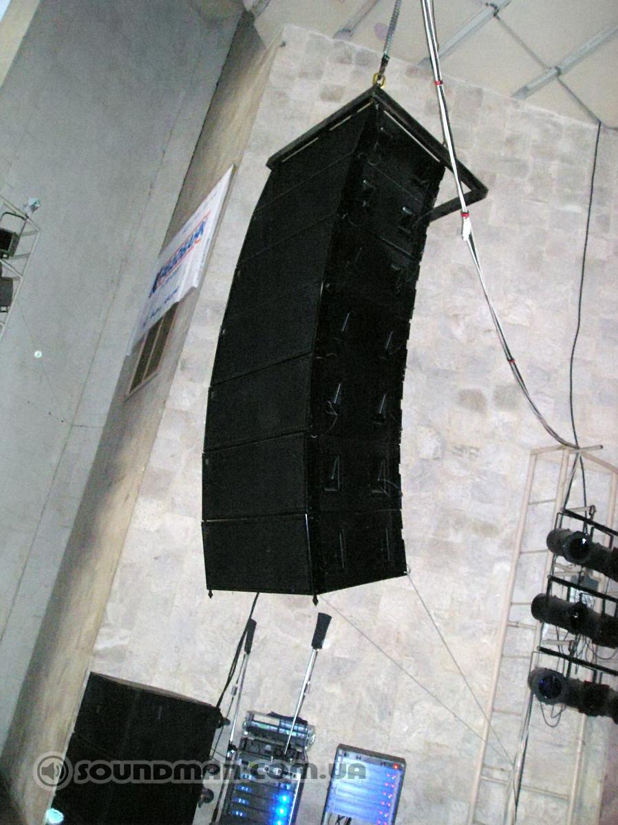 Cабвуферы Electro-Voice, топы Martin Audio