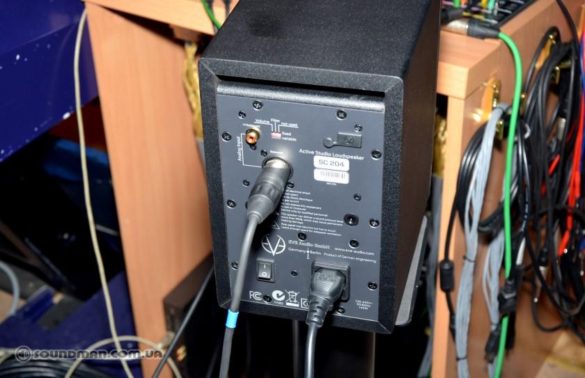 Тыловая стенка мониторов EVE Audio