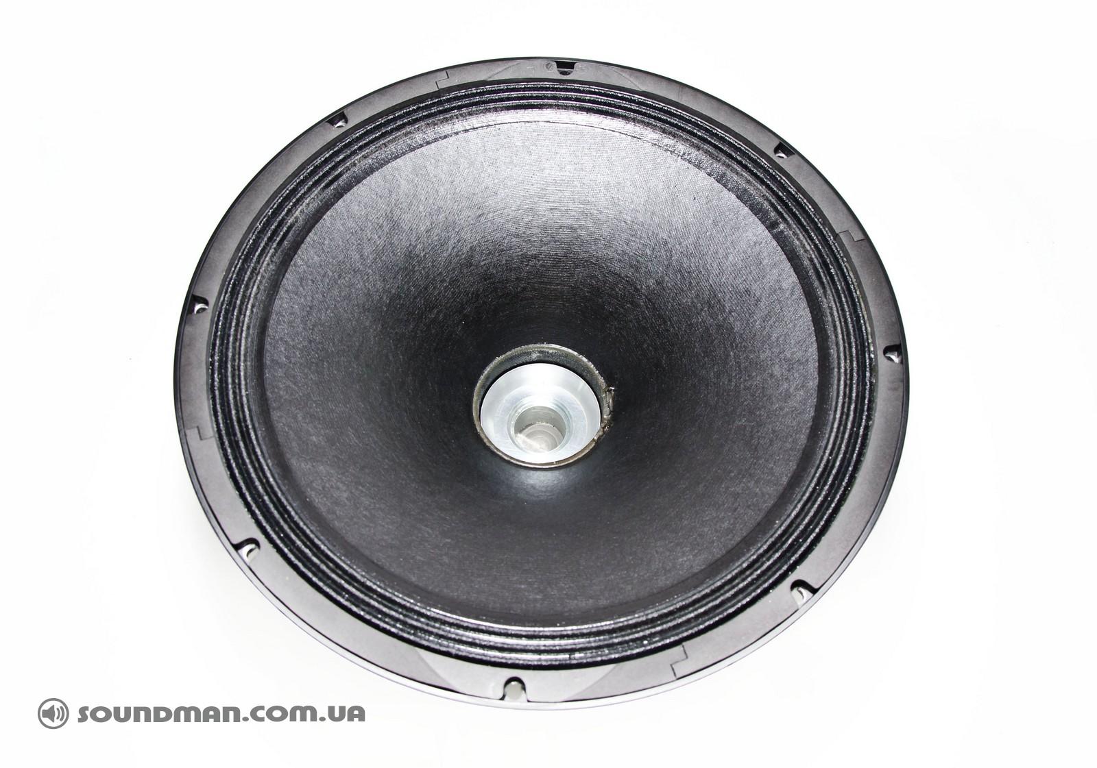 Динамик B&C в d&b audiotechnik M4