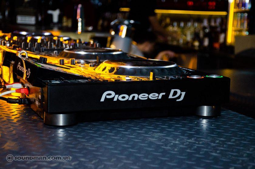 SkyBar - Pioneer DJ